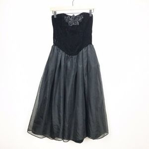 Gunny Sax Jessica McClintock Black Strapless Dress